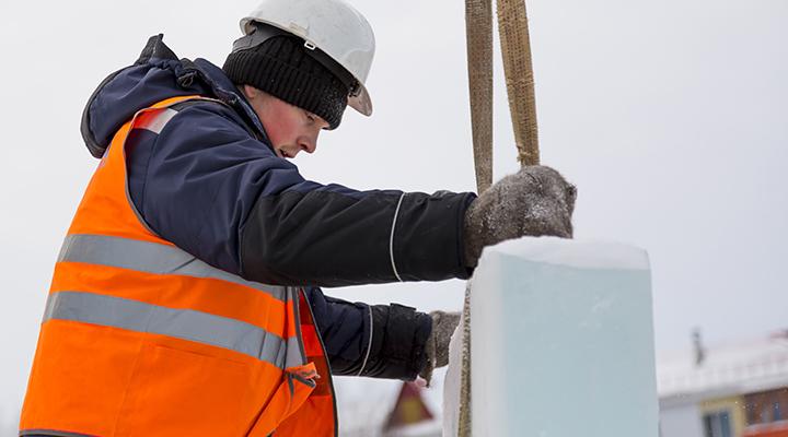 Väderskydd förbättrar arbetsmiljön på vintern